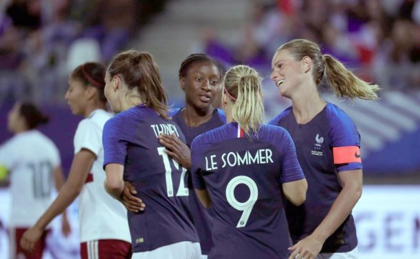 And Club amateur football feminin lyon return